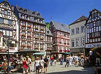 Deutschland, Rheinland-Pfalz, Moseltal, Bernkastel-Kues: Marktplatz | Germany, Rhineland-Palatinate, Moselle Valley, Bernkastel-Kues: market square