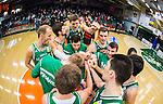 S&ouml;dert&auml;lje 2014-10-01 Basket Basketligan S&ouml;dert&auml;lje Kings - Norrk&ouml;ping Dolphins :  <br /> S&ouml;dert&auml;lje Kings Carl Engstr&ouml;m jublar med lagkamrater i S&ouml;dert&auml;lje Kings efter matchen och segern &ouml;ver Norrk&ouml;ping Dolphins <br /> (Foto: Kenta J&ouml;nsson) Nyckelord:  S&ouml;dert&auml;lje Kings SBBK T&auml;ljehallen Norrk&ouml;ping Dolphins jubel gl&auml;dje lycka glad happy