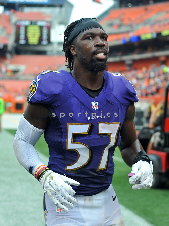 CLEVELAND, OH - JULY 18, 2016: Linebacker C.J. Mosley #57 of the Baltimore Ravens runs off the field after a game against the Cleveland Browns on July 18, 2016 at FirstEnergy Stadium in Cleveland, Ohio. Baltimore won 25-20. (Photo by: 2017 Nick Cammett/Diamond Images)  *** Local Caption *** C.J. Mosley (SPORTPICS)