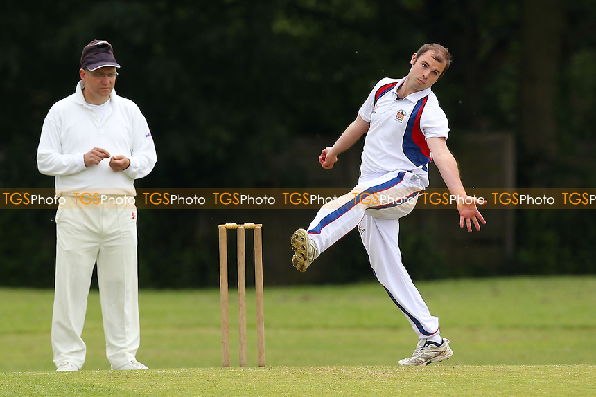 S Hunt in bowling action for Hornchurch Athletic - Hornchurch Athletic CC 3rd XI vs Goresbrook CC 3rd XI - Mid-Essex Cricket League - 31/05/14 - MANDATORY CREDIT: Gavin Ellis/TGSPHOTO - Self billing applies where appropriate - 0845 094 6026 - contact@tgsphoto.co.uk - NO UNPAID USE