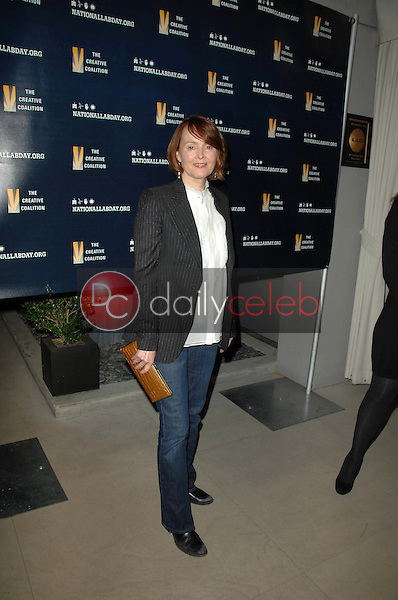 Laura Innes<br />