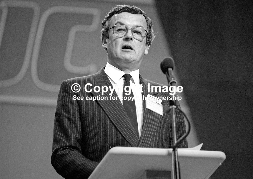 David Warburton, national officer, GMBATU, trade union, UK, speaking Labour Party annual conference September 1986. 19860938DW<br />