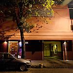 """Buenos Aires, Argentina. Carlos, operaio, lavora prevalentemente nel ricco quartiere di Palermo, dove ha anche trovato il suo angolo di pace: """"Quando stacco, e spesso anche nella pausa pranzo, se posso vado al """"Paraiso"""". Così sento meno la fatica del lavoro, mi rilasso e sono più felice."""""""