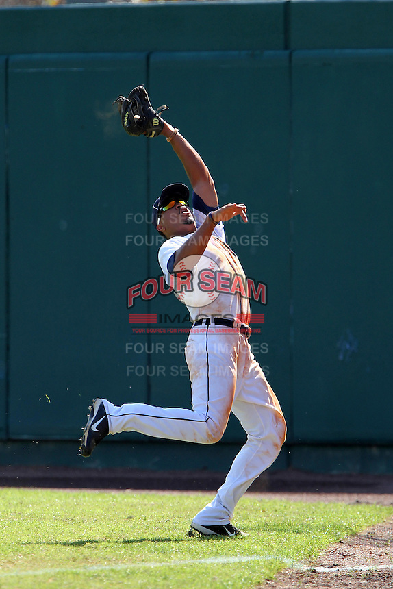 Detroit Tigers outfielder Daniel Fields #29 catches a fly ball during a spring training exhibition game against the Nederlands National Team at Al Lang Field on March 8, 2012 in St. Petersburg, Florida.  (Mike Janes/Four Seam Images)
