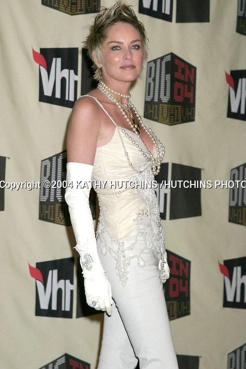 ©2004 KATHY HUTCHINS /HUTCHINS PHOTO.BIG IN 04 AWARD SHOW.SHIRNE AUDITORIUM.LOS ANGELES, CA.DECEMBER 1, 2004..SHARON STONE