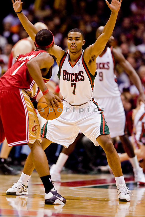 February 20, 2009 Milwaukee, WI. Bradley Center..Milwaukee Bucks Ramon Sessions #7..Milwaukee Bucks lost to the Cleveland Cavaliers 101-113.