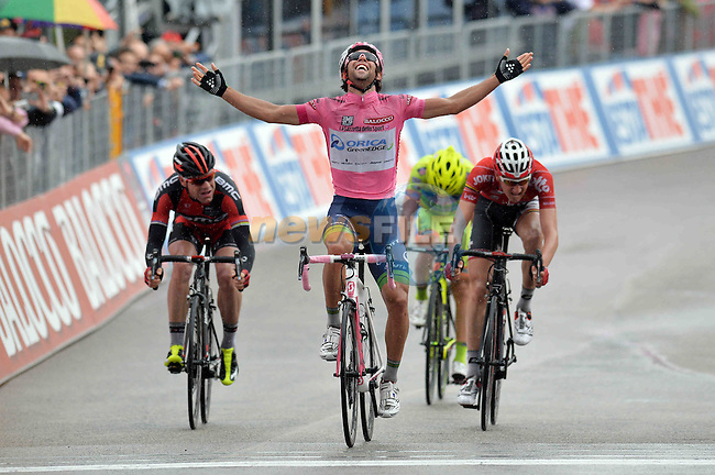 Maglia Rosa leader Michael Matthews (AUS) Orica GreenEdge wins Stage 6 of the 2014 Giro d&rsquo;Italia, a 247 km giant from Sassano to the Abbey at Montecassino, beating Tim Wellens (BEL) Lotto Belisol and Cadel Evans (AUS) BMC Racing Team, Italy.15th May 2014.<br /> Picture: Gian Mattia D'Alberto/LaPresse/www.newsfile.ie
