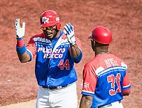 Anthony Garcia de los Criollos de Caguas de Puerto Rico celebra hit en el sexto inning, durante el partido de beisbol de la Serie del Caribe contra los Alazanes de Gamma de Cuba en estadio de los Charros de Jalisco en Guadalajara, México, Martes 6 feb 2018.  (Foto: AP/Luis Gutierrez)