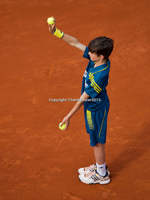 29-05-13, Tennis, France, Paris, Roland Garros, Ballboy