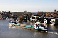 Nederland Zaandam 2019. Leeg binnenvaartschip op de Zaan. Foto Berlinda van Dam / Hollandse Hoogte