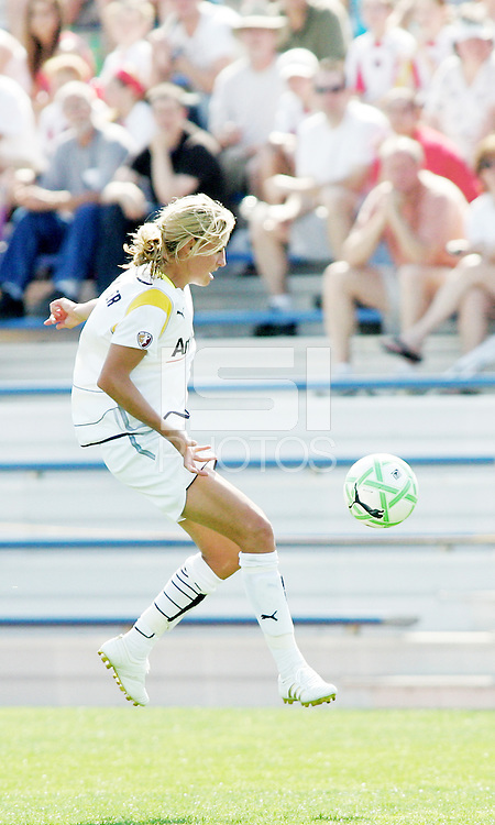 Aly Wagner...Saint Louis Athletica and LA Sol, played to a 0-0 tie at Robert Hermann Stadium in St Louis, MO. April 25 2009.