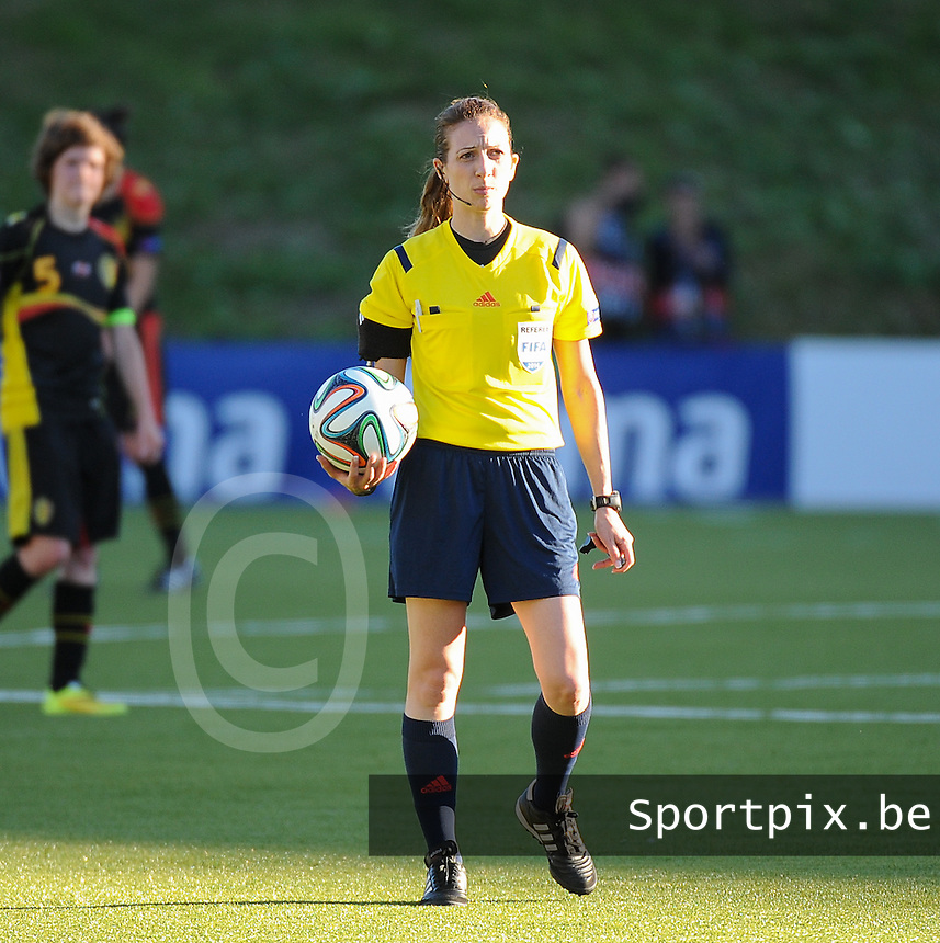 20140718 - Tonsberg , NORWAY : Cyprus referee Sofie Karagiorgi pictured during the female soccer match between Women under 19 teams of Norway and Belgium , on the second matchday in group A of the UEFA Women Under19 European Championship at Tonsberg Stadion , Norway . Friday 18th July 2014 . PHOTO DAVID CATRY