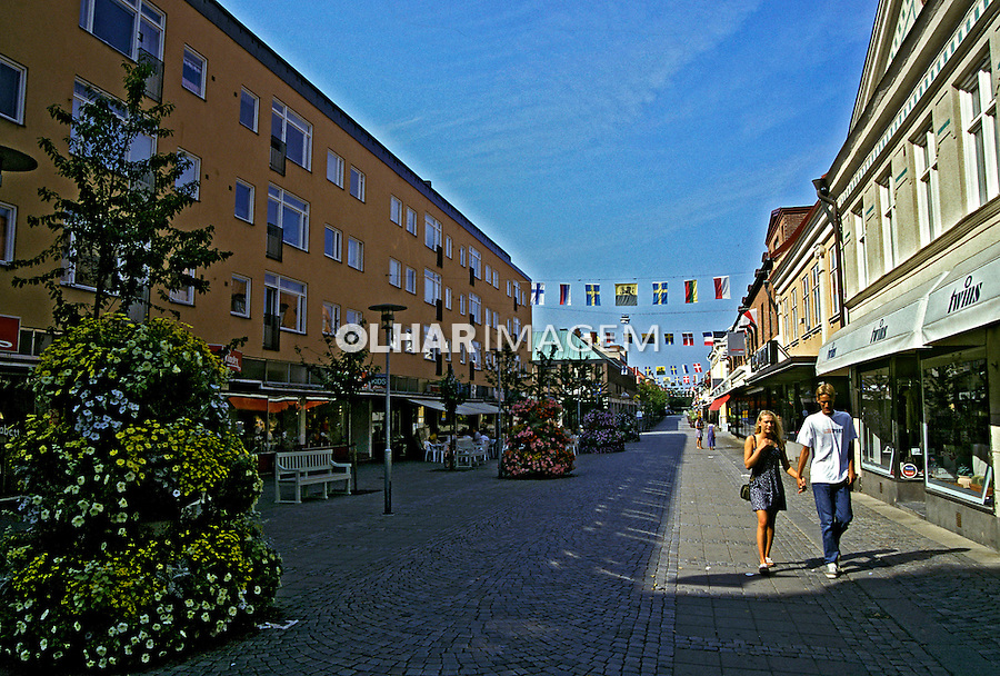 Rua de comércio em Karlshamn, Suécia. 1996. Foto de Adriano Gambarini.
