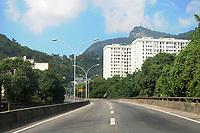 Rio de Janeiro (RJ), 12/05/2020 - Covid-19-Rio - Pouca movimentação de veículos no viaduto Paulo de Frontin, que liga a zona norte a zona sul da cidade do Rio de Janeiro, na manhã desta terça-feira (12).