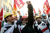 Manifestazione dei lavoratori Alcoa davanti a Montecitorio, Roma 2 febbraio 2010..Alcoa workers demonstrate in Rome, 2 february 2010..UPDATE IMAGES PRESS/Riccardo De Luca