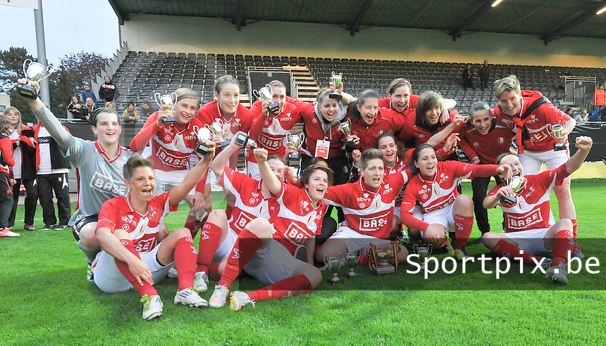 Bekerfinale 2012 : WD Lierse SK - Standard Femina :.vreugde bij de speelsters van Standard na de bekerwinst.foto David Catry / Joke Vuylsteke / Vrouwenteam.be