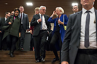 Bundespraesident Frank-Walter Steinmeier (vorne links) hat am Mittwochabend (16.01.2019) die bundesweiten Feierlichkeiten zum Bauhaus-Jubilaeum 2019 eroeffnet.<br /> Im Bild vlnr: Hortensia Voelckers (Kulturstiftung des Bundes), Bodo Ramelow, Ministerpraesident Thueringen (Linkspartei); Kulturstaatsministerin Monika Gruetters (CDU); Steinmeier; Bettina Wagner-Bergelt, Direktorin am Tanztheater Wuppertal.<br /> Bei der Auftaktveranstaltung unter dem Motto &quot;100 jahre bauhaus&quot; in der Akademie der Kuenste in Berlin, wuerdigte Steinmeier das Bauhaus als eine der &quot;bedeutendsten und weltweit wirkungsvollsten kulturellen Hervorbringungen unseres Landes&quot;. Die Feierlichkeiten zum Bauhaus-Jubilaeum 2019 stehen unter dem Titel &quot;Die Welt neu denken&quot;. Dazu sind in den kommenden Monaten rund 700 Veranstaltungen in elf Bundeslaendern geplant. Im Fokus stehen unter anderem die zentralen Wirkungsstaetten in Weimar, Dessau und Berlin.<br /> 16.1.2019, Berlin<br /> Copyright: Christian-Ditsch.de<br /> [Inhaltsveraendernde Manipulation des Fotos nur nach ausdruecklicher Genehmigung des Fotografen. Vereinbarungen ueber Abtretung von Persoenlichkeitsrechten/Model Release der abgebildeten Person/Personen liegen nicht vor. NO MODEL RELEASE! Nur fuer Redaktionelle Zwecke. Don't publish without copyright Christian-Ditsch.de, Veroeffentlichung nur mit Fotografennennung, sowie gegen Honorar, MwSt. und Beleg. Konto: I N G - D i B a, IBAN DE58500105175400192269, BIC INGDDEFFXXX, Kontakt: post@christian-ditsch.de<br /> Bei der Bearbeitung der Dateiinformationen darf die Urheberkennzeichnung in den EXIF- und  IPTC-Daten nicht entfernt werden, diese sind in digitalen Medien nach &sect;95c UrhG rechtlich geschuetzt. Der Urhebervermerk wird gemaess &sect;13 UrhG verlangt.]