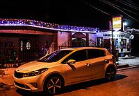 Kia Forte y abarrotes Vicky en temporada navide&ntilde;a.<br /> <br /> Calles y comercios de noche en el Centro de Hermosillo, previo a la navidad.<br /> 13diciembre2017
