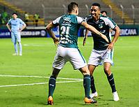 PALMIRA - COLOMBIA-18-07-2018: Jhon Mosquera (Der) jugador del Deportivo Cali (COL) celebra después de anotar el primer gol de su equipo a Bolívar (BOL) durante partido de la segunda fase, llave 8, por la Copa CONMEBOL Sudamericana 2018 jugado en el estadio Palmaseca de la ciudad de Palmira. / Jhon Mosquera (R) player of Deportivo Cali (COL) celebrates after scoring the first goal of his team to Bolivar (BOL) during match of the second phase, key 8, for the CONMEBOL Sudamericana Cup 2018 played at Palmaseca stadium in Palmira city.  Photo: VizzorImage/ Nelson Rios / Cont
