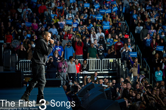 Singer Jay-Z performs before US President Barack Obama speaks at a campaign rally in Columbus, Ohio, on November 5, 2012.