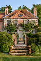 Art house - former home of society photographer and set designer Sir Cecil Beaton to sell for £4m.