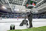 Solna 2014-03-15 Bandy SM-final Damer Kareby IS - AIK  :  <br /> TV-kamera vid sidan av planen under matchen <br /> (Foto: Kenta J&ouml;nsson) Nyckelord:  SM SM-final final dam damer Kareby AIK TV kamera s&auml;ndning direkts&auml;ndning
