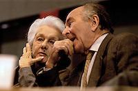 """Roma 15 Gennaio 2004.Fiera di Roma.""""VERSO SINISTRA""""   Assemblea..Rossana Rossanda e Valentino Parlato fondatori  del Quotidiano Il Manifesto"""