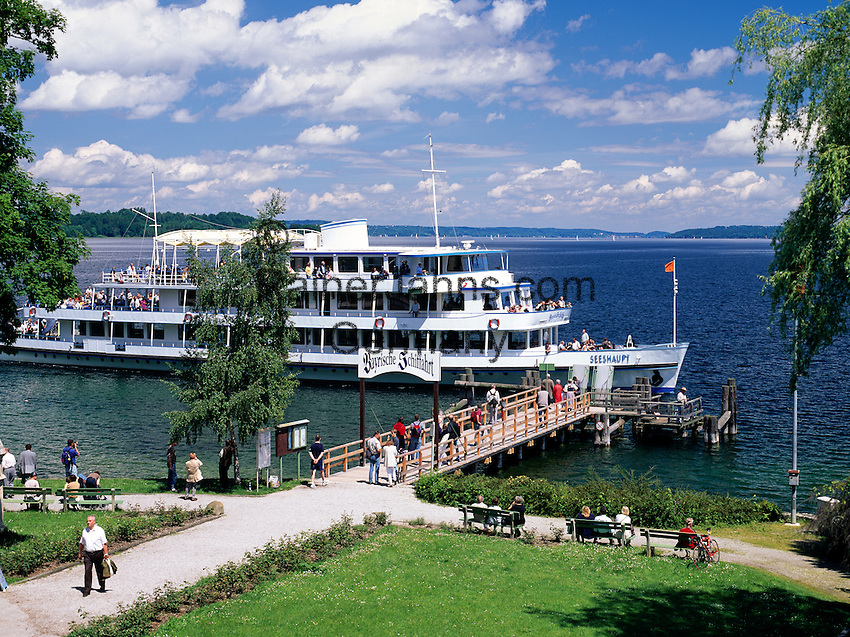 Germany, Bavaria, Upper Bavaria, Lake Starnberg, Seeshaupt: landing stage, boat trip