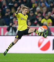 FUSSBALL   1. BUNDESLIGA  SAISON 2012/2013   15. Spieltag FC Bayern Muenchen - Borussia Dortmund     01.12.2012 Marco Reuss (Borussia Dortmund) am Ball