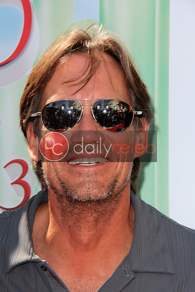 """Kevin Sorbo<br /> at """"The Wizard Of Oz 3D"""" World Premiere Screening and Grand Opening of the TCL Chinese IMAX Theater, Chinese Theater, Hollywood, CA 09-15-13<br /> David Edwards/DailyCeleb.com 818-249-4998"""