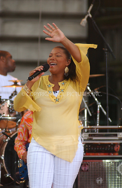 WWW.ACEPIXS.COM . . . . . ....NEW YORK, JULY 15, 2005....Queen Latifah performing live on the A.B. C. Good Morning American Show in Bryant Park.....Please byline: KRISTIN CALLAHAN - ACE PICTURES.. . . . . . ..Ace Pictures, Inc:  ..Craig Ashby (212) 243-8787..e-mail: picturedesk@acepixs.com..web: http://www.acepixs.com