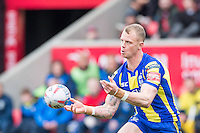 Picture by Allan McKenzie/SWpix.com - 04/03/2017 - Rugby League - Betfred Super League - Salford Red Devils v Warrington Wolves - AJ Bell Stadium, Salford, England - Warrington's Kevin Brown passes.