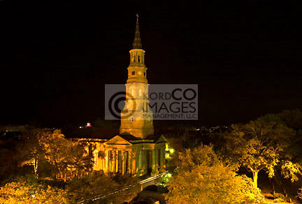 SAINT PHILLIPS CHURCH STEEPLE SKYLINE DOWNTOWN CHARLESTON SOUTH CAROLINA USA