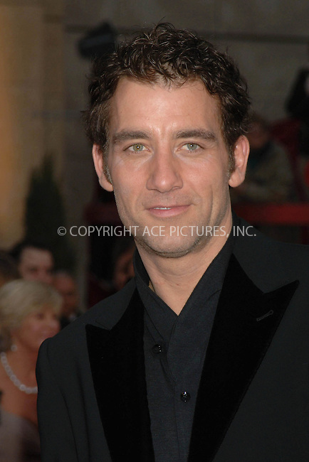 WWW.ACEPIXS.COM....February 25 2007, Los Angeles, California.........CLIVE OWEN ....Red carpet arrivals at the 79th Academy Awards in Hollywood, California.....Please byline: DENNIS VAN TINE/ACEPIXS.COM....For information please contact Philip Vaughan:..tel: 646 769 0430..e-mail: info@acepixs.com..website: www.acepixs.com