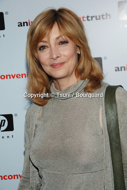 "Sharon Elizabeth arriving at "" AN INCONVENIENT TRUTH Premiere "" at the DGA in Los Angeles. May 16, 2006."