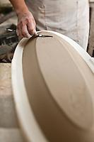 Europe/Europe/France/Midi-Pyrénées/46/Lot/ Puy-l'Évêque: Manufacture de Porcelaine Virebent - le coulage [Non destiné à un usage publicitaire - Not intended for an advertising use]