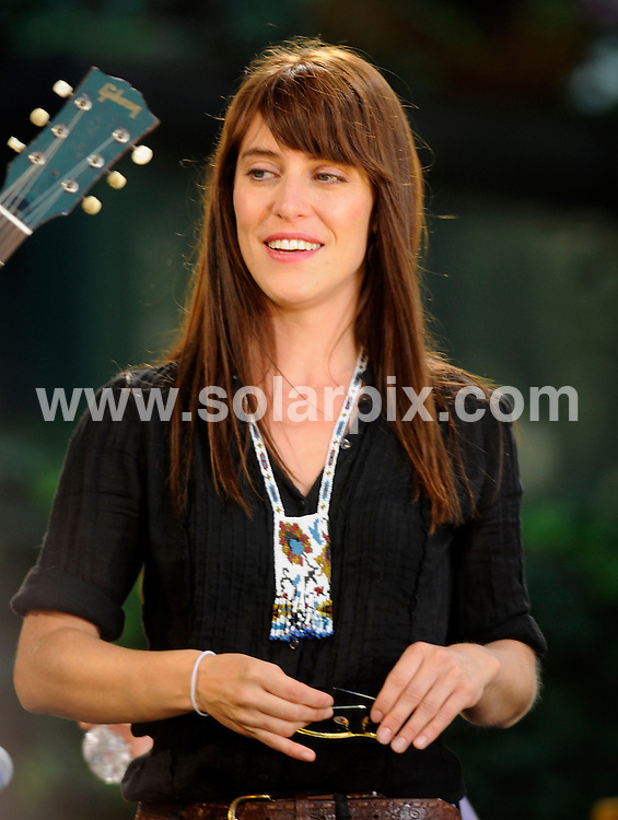 **ALL ROUND PICTURES FROM SOLARPIX.COM**.**SYNDICATION RIGHTS FOR UK, SPAIN, PORTUGAL, AUSTRALIA, S.AFRICA & DUBAI (U.A.E) ONLY**.Feist performs on the Good Morning America Summer Concert Series, Bryant Park, New York City, NY, USA. July 25, 2008..This pic: Leslie Feist..JOB REF: 6917 PHZ/Mark Dye    DATE: 25_07_2008.**MUST CREDIT SOLARPIX.COM OR DOUBLE FEE WILL BE CHARGED* *UNDER NO CIRCUMSTANCES IS THIS IMAGE TO BE REPRODUCED FOR ANY ONLINE EDITION WITHOUT PRIOR PERMISSION*