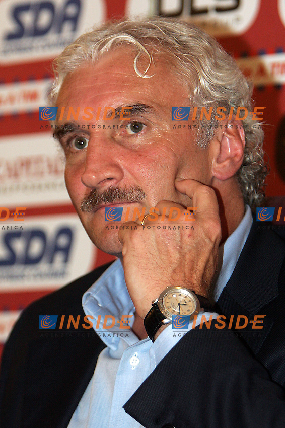 Roma 31/8/2004 Conferenza stampa del nuovo allenatore della Roma Rudi Voeller.<br /> Press conference of new as Roma trainer Rudi Voeller<br /> Foto Andrea Staccioli Insidefoto