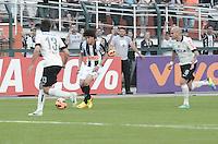 SAO PAULO, SP 14 de julho 2013- Lance durante partida entre Corinthians x Atletico Mg válida pela 7ª rodada do Campeonato Brasileiro, realizada no estádio do Pacaembu, zona oeste da capital paulista, neste domingo.    ADRIANO LIMA / BRAZIL PHOTO PRESS).
