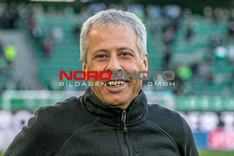 Aus 1. BL Saison 2018/19 VfL Wolfsburg gegegn Borussia Dortmund 0:1 am 03.11.208. Im Foto: BVB Trainer Lucian Favre vorm Spiel<br />
