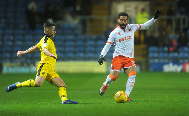 Blackpool's Liam Feeney under pressure from Oxford United's Cameron Brannagan<br /> <br /> Photographer Kevin Barnes/CameraSport<br /> <br /> The EFL Sky Bet League One - Oxford United v Blackpool - Saturday 15th December 2018 - Kassam Stadium - Oxford<br /> <br /> World Copyright © 2018 CameraSport. All rights reserved. 43 Linden Ave. Countesthorpe. Leicester. England. LE8 5PG - Tel: +44 (0) 116 277 4147 - admin@camerasport.com - www.camerasport.com