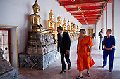 United States President Barack Obama and U.S. Secretary of State Hillary Rodham Clinton tour the Wat Pho Royal Monastery with Chaokun Suthee Thammanuwat, Dean, Faculty of Buddhism Assistant to the Abbot of Wat Phra Chetuphon, in Bangkok, Thailand, November 18, 2012. .Mandatory Credit: Pete Souza - White House via CNP
