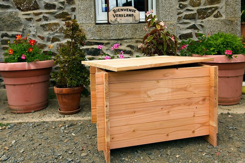 Bac de compostage pour ordure menagere