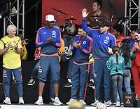 BOGOTA - COLOMBIA, 05-07-2018: Jose PEKERMAN técnico y Radamel FALCAO GARCIA, Yerry MINA y David OSPINA (saludando a los hinchas) jugadores de la Selección Colombia de fútbol durante el homenaje recibido hoy, 05 de julio de 2018, después de su participación en la Copa Mundial de la FIFA Rusia 2018. El acto tuvo lugar een el estadio Nemesio Camacho El Campín de la ciudad de Bogotá / Jose PEKERMAN coach and Radamel FALCAO GARCIA, Yerry MINA and David OSPINA (greeting the fans) players of Colombia national soccer team during the tribute received today, July 5, 2018, after their participation in the FIFA World Cup Russia 2018. The event took place at Nemesio Camacho El Campin stadium in Bogota city. Photo: VizzorImage / Gabriel Aponte / Staff