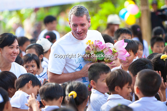 Room to Read delivers 10 millionth book in Vietnam, founder John Woods attended
