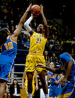 Reshanda Gray of California shoots the ball during the game against UCLA at Haas Pavilion in Berkeley, California on January 20th, 2013.   California defeated UCLA, 70-65.
