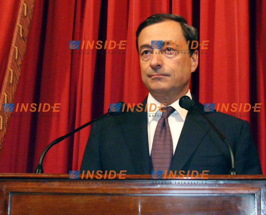 Roma 31-05- 2006 Assemblea Annuale della Banca D'Italia<br /> Nella foto il Governatore della Banca D'Italia Mario Draghi prima del suo discorso<br /> Photo Serena Cremaschi Insidefoto