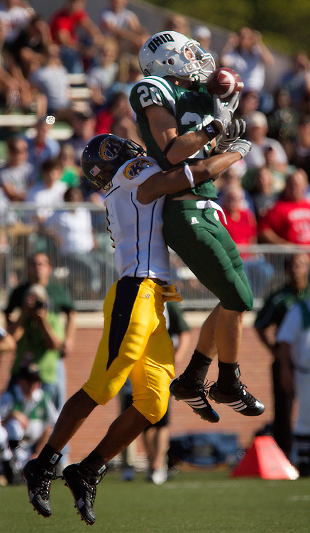 Photo by Kevin Riddell.Ohio University wide receiver Matt Donahue goes up tp get a ball while being defended by Kent State defensive back Rico Murray on Saturday, September 29, 2007.