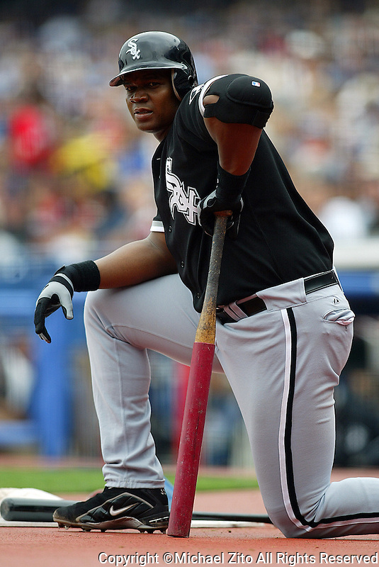 Frank Thomas In an MLB game played at Dodger Stadium between the Chicago White Sox and Los Angeles Dodgers. Where the White Sox defeated the Dodgers 10-3