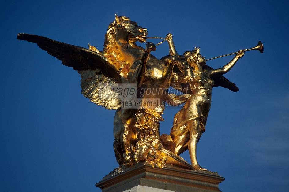Europe/France/Ile-de-France/75008/Paris : Le Pont Alexandre III